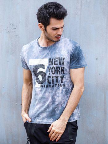 Szary t-shirt męski z nadrukiem