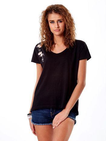 T-shirt czarny z kwiatowym haftem