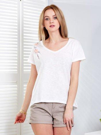 T-shirt ecru z kwiatowym haftem