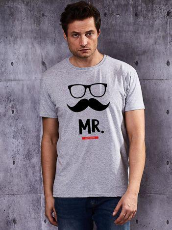 T-shirt męski szary dla szczęśliwych par MISTER z wąsami