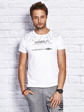 T-shirt męski z tłoczonym napisem biały