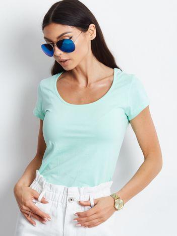 T-shirt miętowy z wycięciami z tyłu