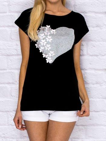 T-shirt z metaliczną aplikacją serca i kwiatkami czarny