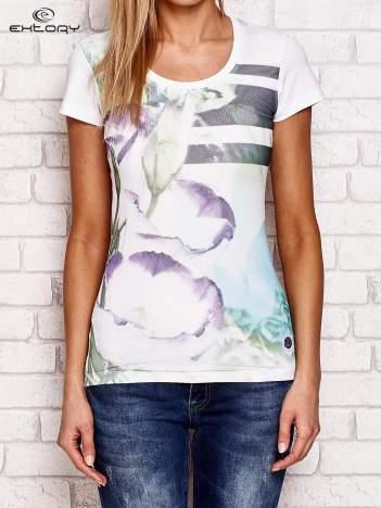 T-shirt z motywem kwiatowym biały