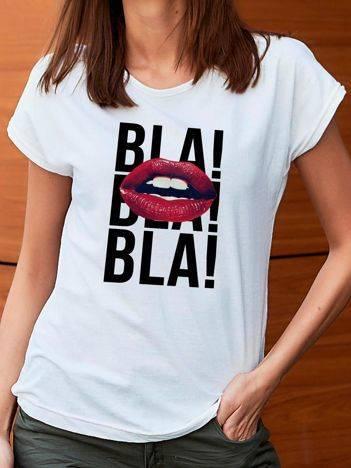 T-shirt z nadrukiem ust i napisami biały