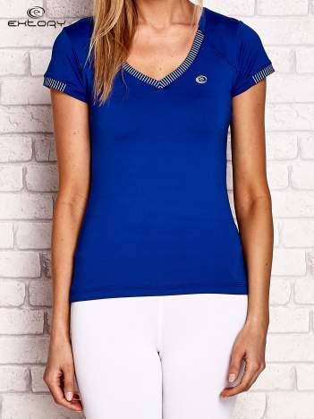 T-shirt z pasiastym wykończeniem ciemnoniebieski