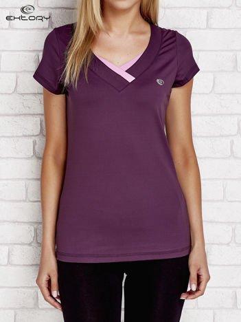 T-shirt z trójkątnym dekoltem ciemnofioletowy PLUS SIZE