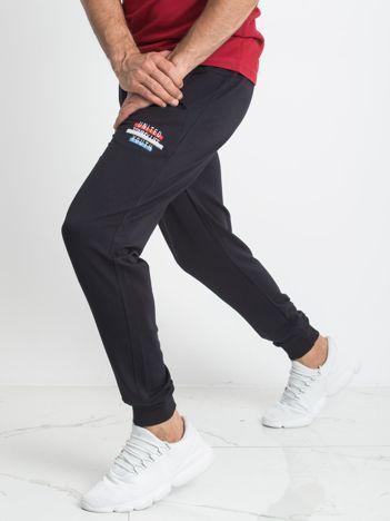 TOMMY LIFE Granatowe spodnie dresowe męskie