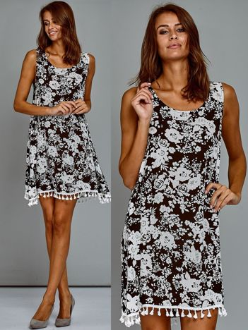 Trapezowa bawełniana sukienka letnia w kwiaty czarna