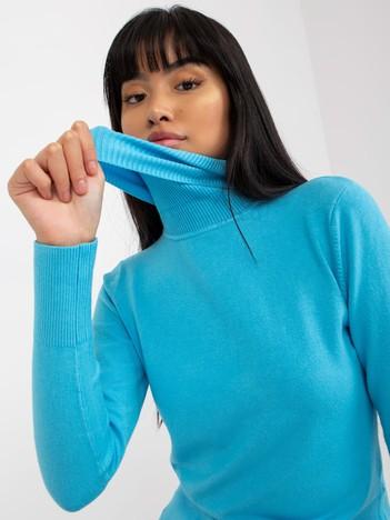Turkusowy sweter ze ściągaczami i golfem