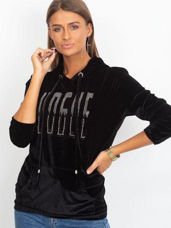 Welurowa bluza z kapturem i aplikacją czarna