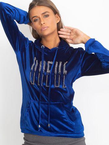 Welurowa bluza z kapturem i aplikacją niebieska