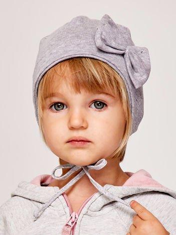 Wiązana czapka dziewczęca z ozdobną kokardą szara