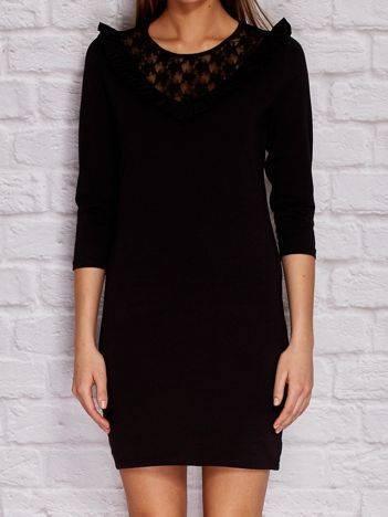 YUPS Czarna sukienka dzienna z koronkowym dekoltem