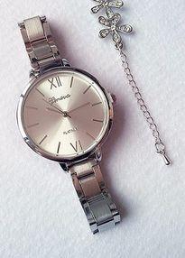 Zegarek damski srebrny na bransolecie