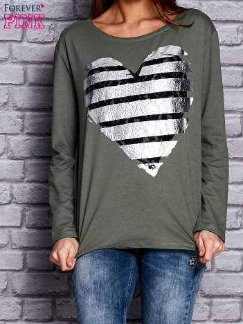 Zielona bluza z sercem