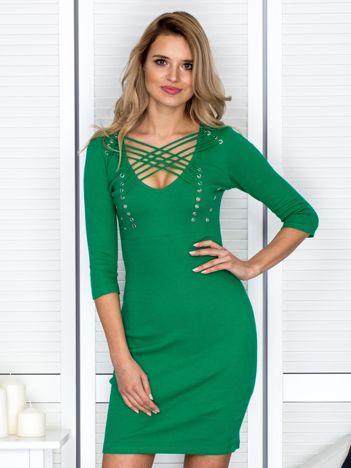 Zielona sznurowana sukienka w prążek