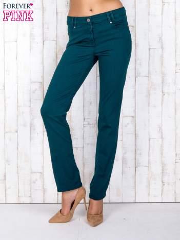 Zielone spodnie regular z kieszeniami z obu stron