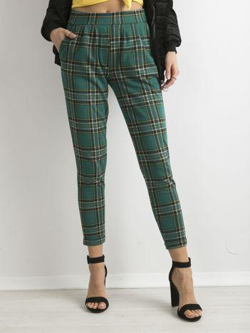 Zielone spodnie w kratę
