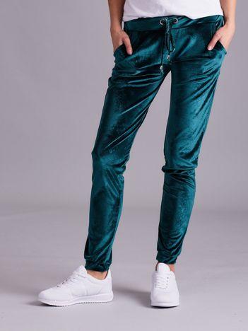 Zielone spodnie welurowe