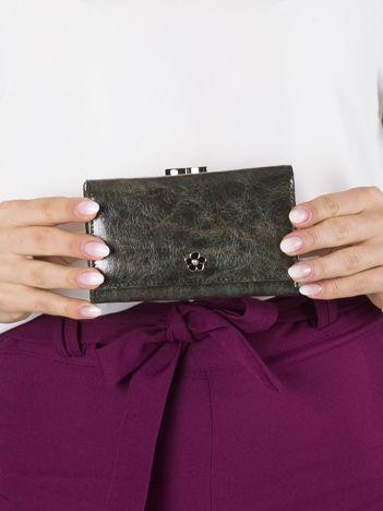 Zielony mały portfel skórzany na bigiel