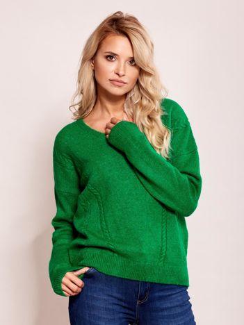 Zielony sweter damski w serek