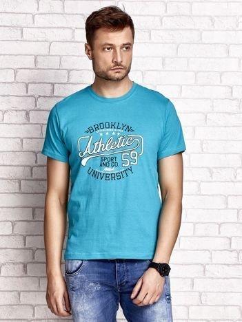 Zielony t-shirt męski z napisem BROOKLYN ATHLETIC UNIVERSITY