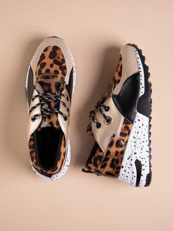 Złote buty sportowe z lakierowaną wstawką w tygrysim printem