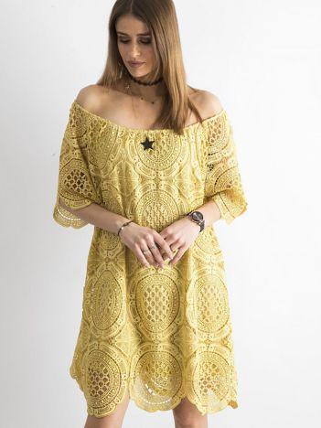 Żółta koronkowa sukienka hiszpanka