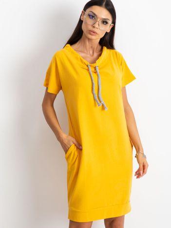 Żółta sukienka Distinctiveness