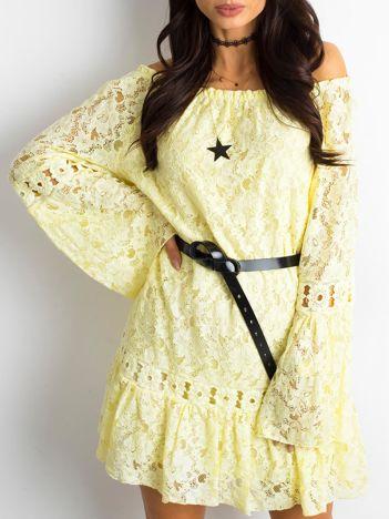 Żółta sukienka z hiszpańskim dekoltem