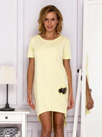 Żółta sukienka z ozdobną kieszonką