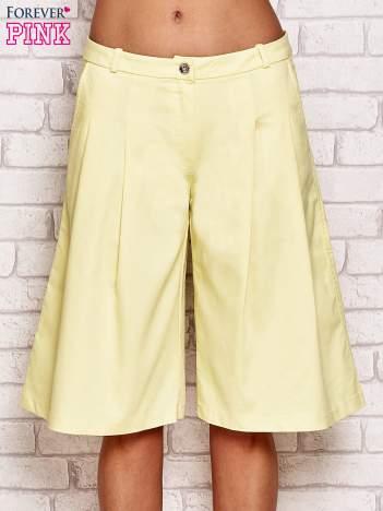 Żółte szorty culottes z zakładkami