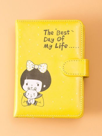 Żółty notatnik z zapięciem