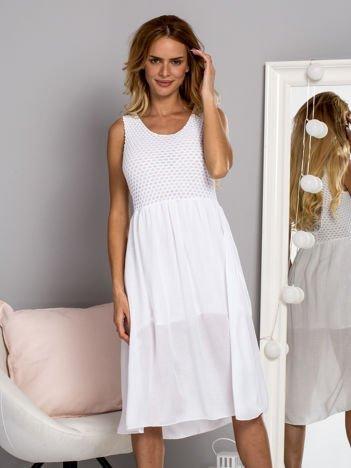 Zwiewna sukienka letnia z ozdobną siateczką biała