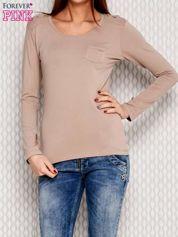 Beżowa bluzka ze sznurowaniem na ramionach