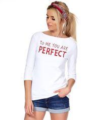 Biała bluzka z napisem i perełkami