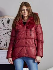 Bordowa pikowana kurtka z asymetrią