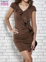 Brązowa dopasowana sukienka z poprzeczną falbaną