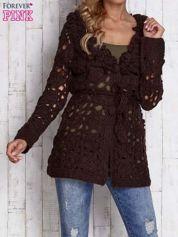 Brązowy sweter  z wiązaniem w pasie