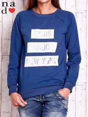 Ciemnoniebieska bluza z napisem PARIS LONDON NEW YORK