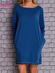 Ciemnoniebieska sukienka oversize z kieszeniami