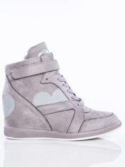 Ciemnoszare półażurowe sneakersy za kostkę z ozdobnymi lakierowanymi serduszkami na cholewce