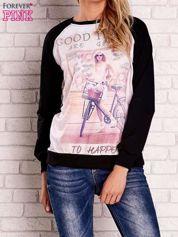 Czarna bluza z nadrukiem dziewczyny i napisem