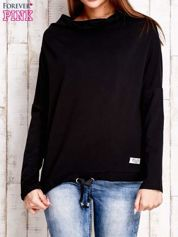 Czarna bluzka oversize z troczkami