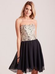 Czarna rozkloszowana sukienka z koronką