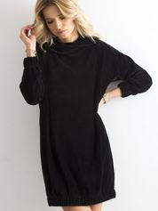 Czarna sztruksowa sukienka