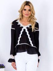 Czarna szyfonowa bluzka z koronkowymi wstawkami