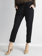Czarne damskie spodnie z paskiem