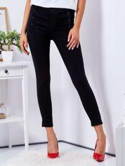 Czarne spodnie high waist z guzikami